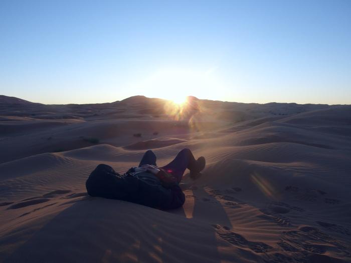 Wschód słońca na Saharze (Maroko)